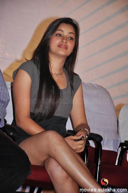 Ambasamuthirathil Ambani Audio Launch Movie Event Telugu Actres Thunder