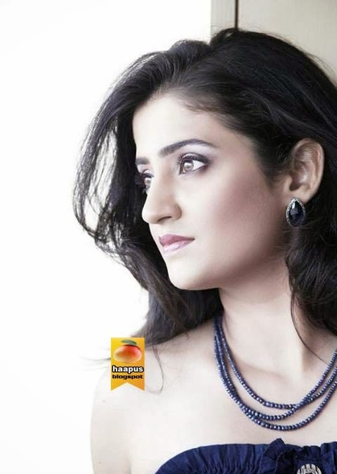 tejaswini patil classy photos cute marathi actresses