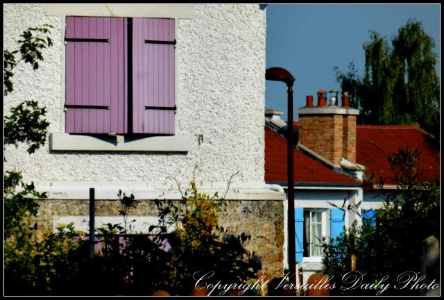 Colourful shutters houses Versailles prés aux bois