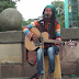 AWESOME STREET MUSICIAN SINGS - No Woman,…