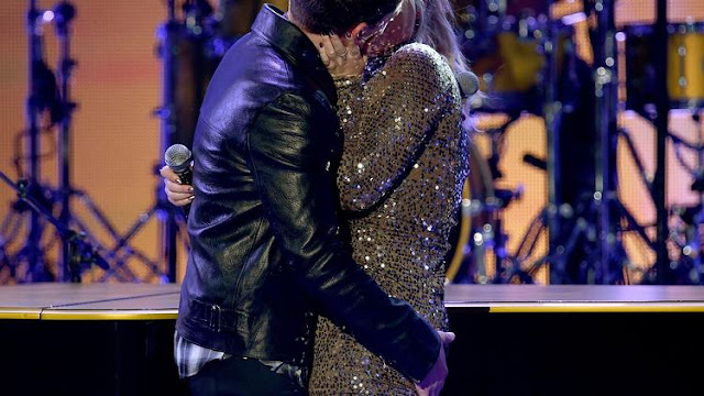 Meghan Trainor, Charlie Puth and that steamy AMAs kiss