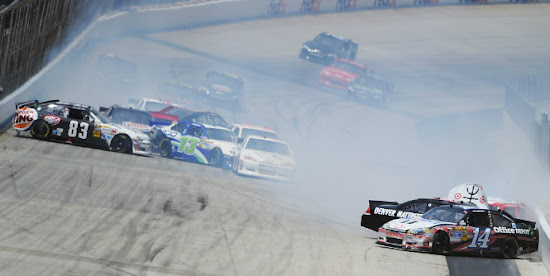 Jimmie Johnson Wins at Dover 1