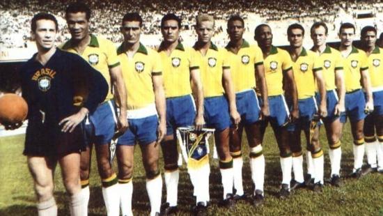 Da esquerda para a direita: Valdir de Moraes, Servílio, Juninho, Waldemar, Ademir da Guia, Djalma Dias, Djalma Santos, Rinaldo, Ferrari, Dudu e Tupãzinho