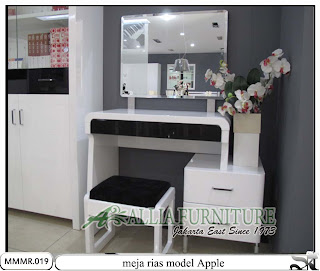 Meja rias make up minimalis modern Apple