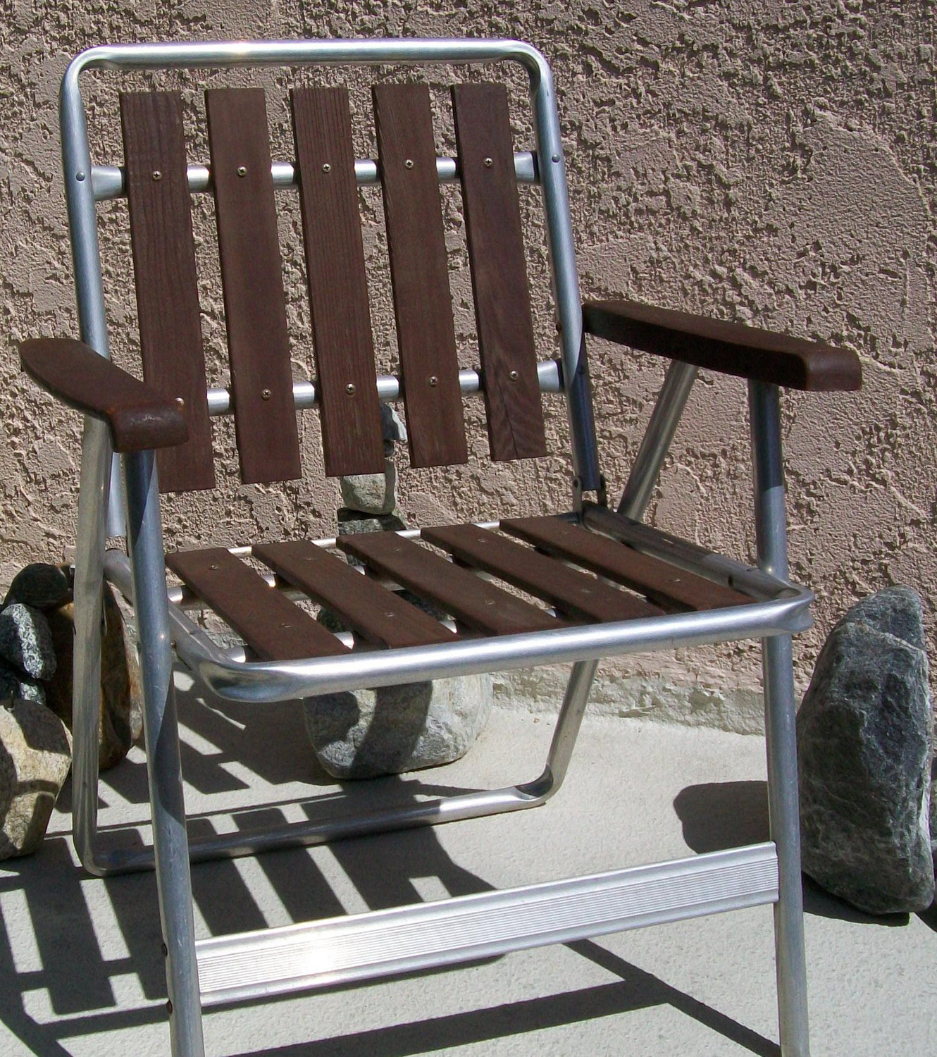 Folding Aluminum Lawn Chair3. Folding Aluminum Lawn Chair
