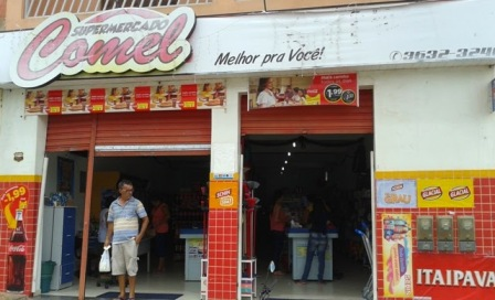 Supermercado Comel, em Mairi