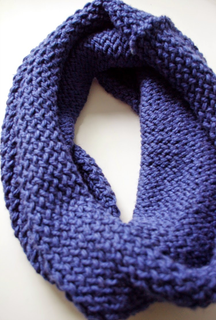Quick Knit Infinity Scarf Pattern : carina m. creations: Easy Knitting Loom Infinity Scarf Tutorial