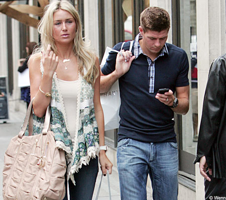 Steven-Gerrard-With-Wife-Alex-CurranSteven Gerrard Wife