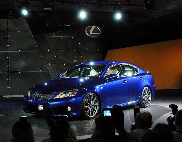2014 Lexus IS-F Wallpaper