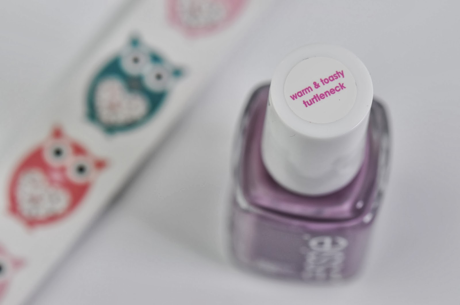 NOTD: Essie Warm & Toasty Turtleneck review & swatch