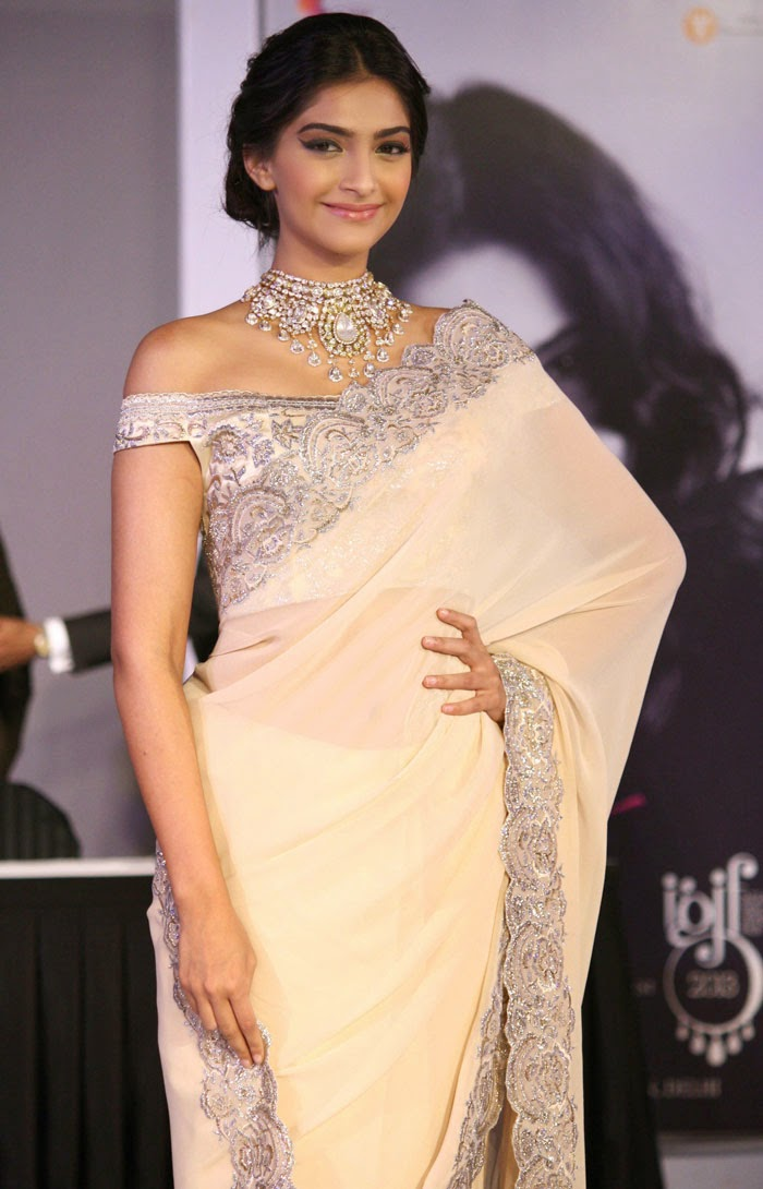 Sonam Kapoor In Saree Diva Likes
