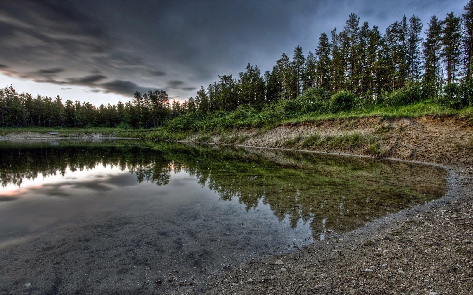 http://4.bp.blogspot.com/-3Mt2G9N-BtI/TeG4fUIj2VI/AAAAAAAAAH8/gPoWn2Nlw_g/s1600/BEautFull+Water+Scenery+Wallpapers+%252815%2529.jpg