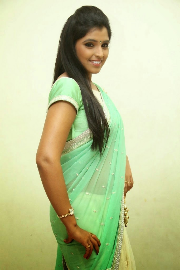 S, Shyamala, Shyamala saree stills, latest Actress HD Photo Gallery, Latest actress Stills, HD Actress Gallery, Saree pics, Telugu Movie Actress, Tollywood Actress, Actress HD Photo Gallery, Anchor Shyamala Latest Saree Stills