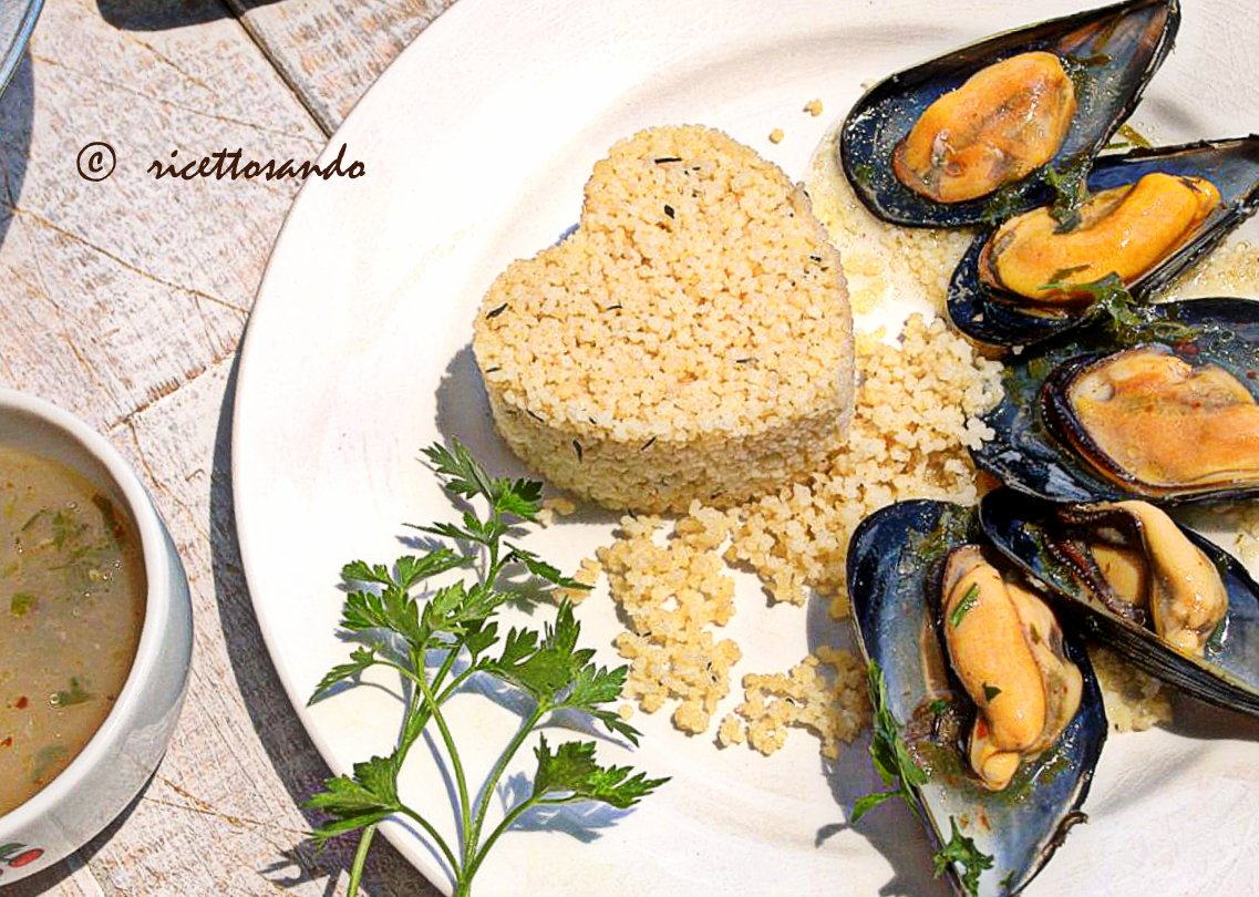 Cozze in salsa piccante e couscous al timo ricetta di pesce