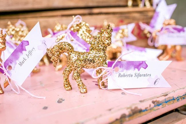 Pantone Color Of The Year Radiant Orchid gold escort card