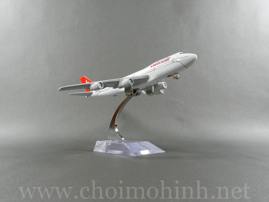 Swiss Air plane 1:400 side