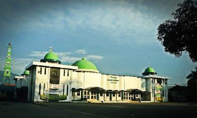 masjid raya baiturrahim lolu palu