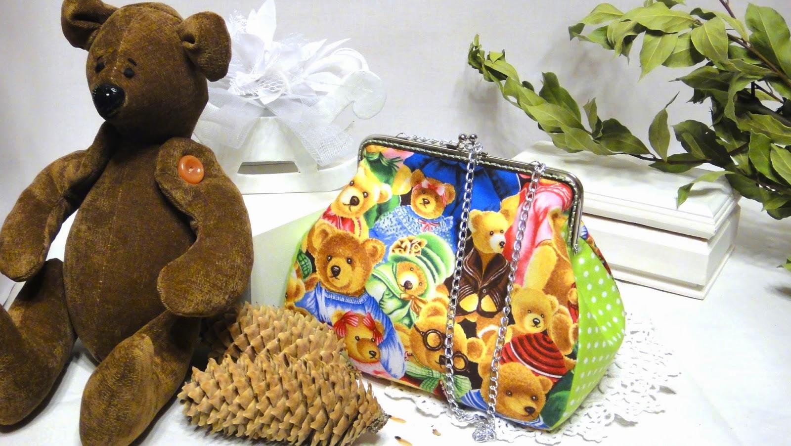 Женская сумочка косметичка Мишки Тедди на цепочке
