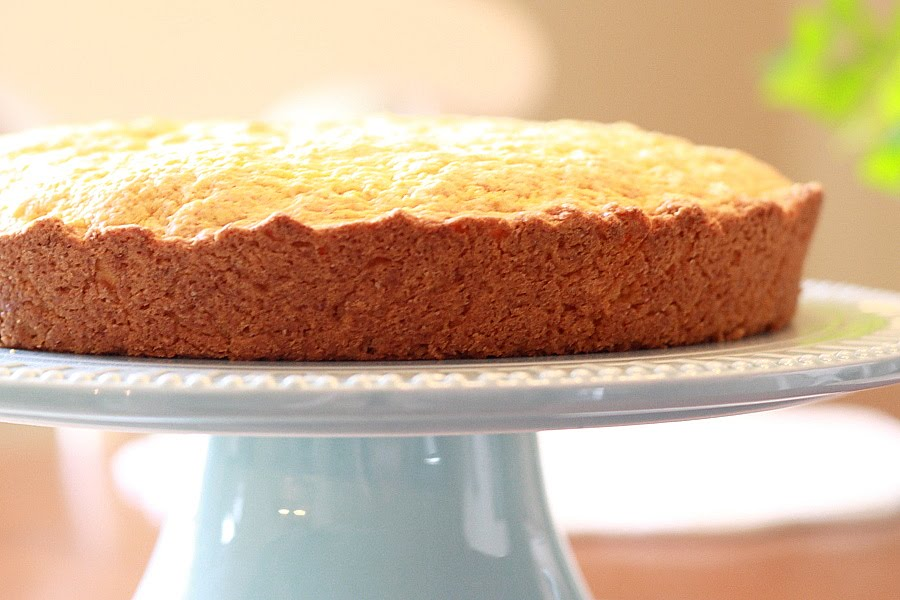 Lemon Drop: Vanilla Custard Powder Cake