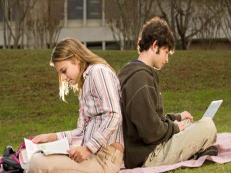 Online dating unrealistic standards