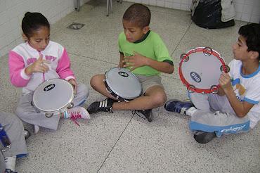 Aulas de Musicalização na Escola Municipal Profa. Acliméa de Oliveira Nascimento em Teresópolis-RJ
