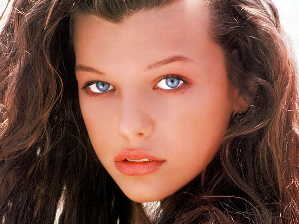 Milla Jovovich Hot Pictures, Photo Gallery & Wallpapers Milla Jovovich