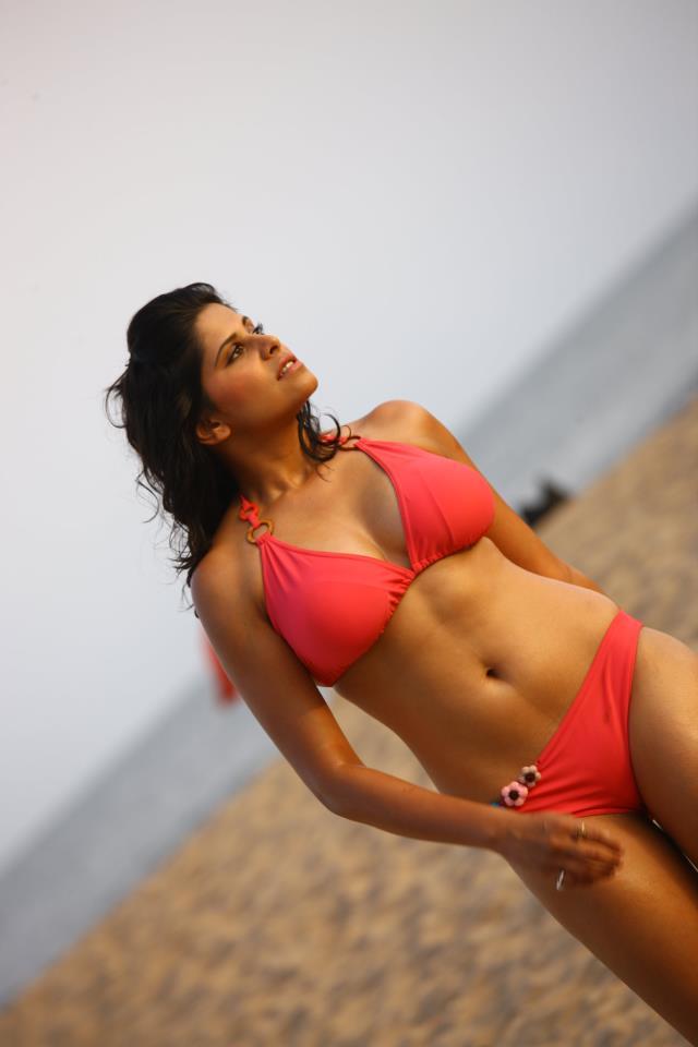 Sai Tamhankar Kiss - Desktop Pictures and Wallpapers HD Free Download