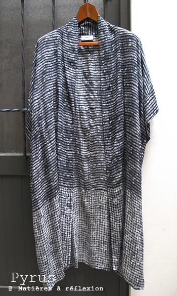 soldes Kimono noir blanc Pyrus veste longue Brushstroke