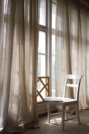 Different Types Of Roman Window Shades furthermore Watch additionally Roman Shades Give A Glamorous Look To Your Home together with Email Answer Its Curtains For You together with Consigli Alternativi Per Appendere Le Tende. on window sheers ideas