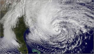 Τυφώνες και άλλες ευχάριστες ειδήσεις