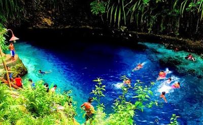 Sungai Hinatuan di Filipina