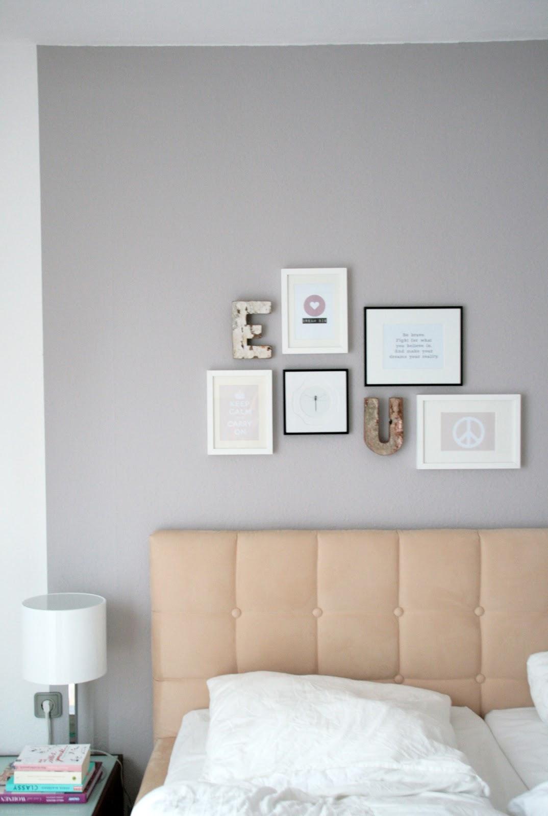 Schlafzimmer Bilderwand: Interior update bilderwand balkenbett ...