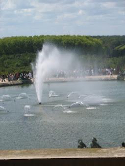 Fountain & Gardens