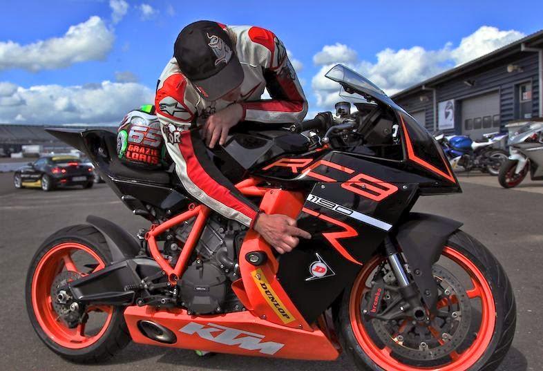 KTM 1190 RC8 R Black Bikes Images