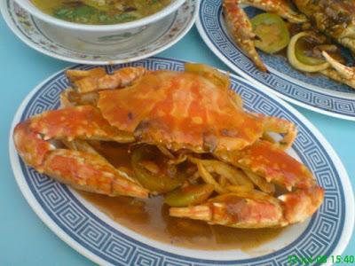Gurihnya sup kepiting di pantai baron