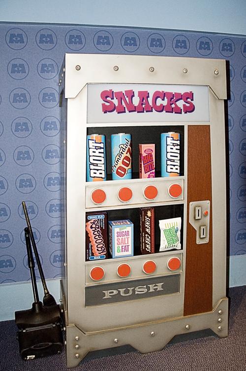 Candy bar that big in that machine i like the machine