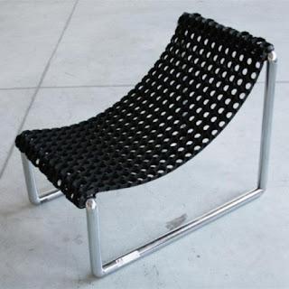 Một chiếc ghế đơn giản và phong cách