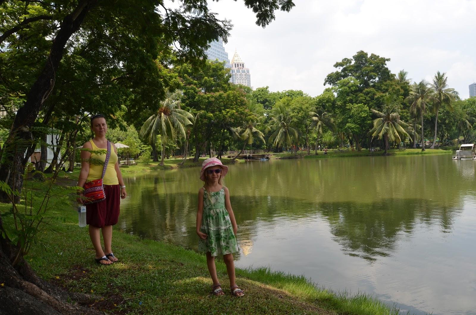 Согласилась в парке за деньги 4 фотография