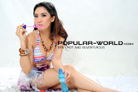 Foto Mega Arumi (BFN) di Majalah Popular World