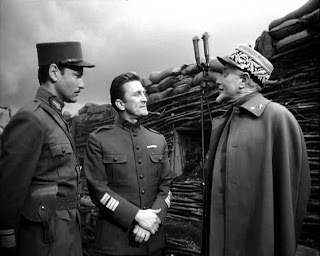 Kirk Douglas, George Macready, Major, Paths of Glory - Anthill, Directed by Stanley Kubrick