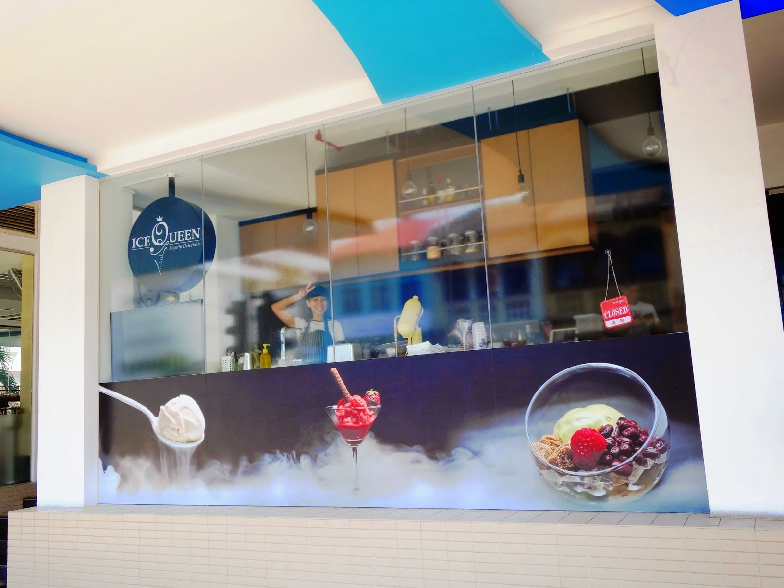 PinkyPiggu: Ice Queen ~ Liquid Nitrogen Ice Cream Parlour ...