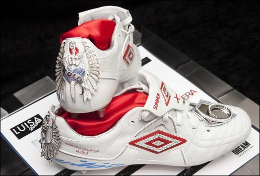 Sepatu Bola Termahal di Dunia 2013 Sepatu Bola Termahal di Dunia