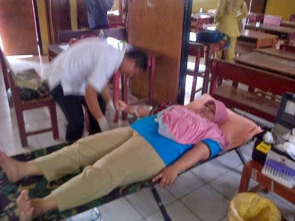 Guru di Sawangan dan Bojongsari Donor Darah
