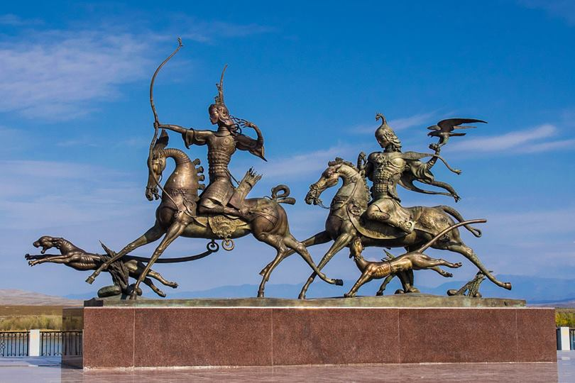 """Monument """"Khaan and Kadyn are hunting"""" near to the monument """"The Center of Asia"""""""