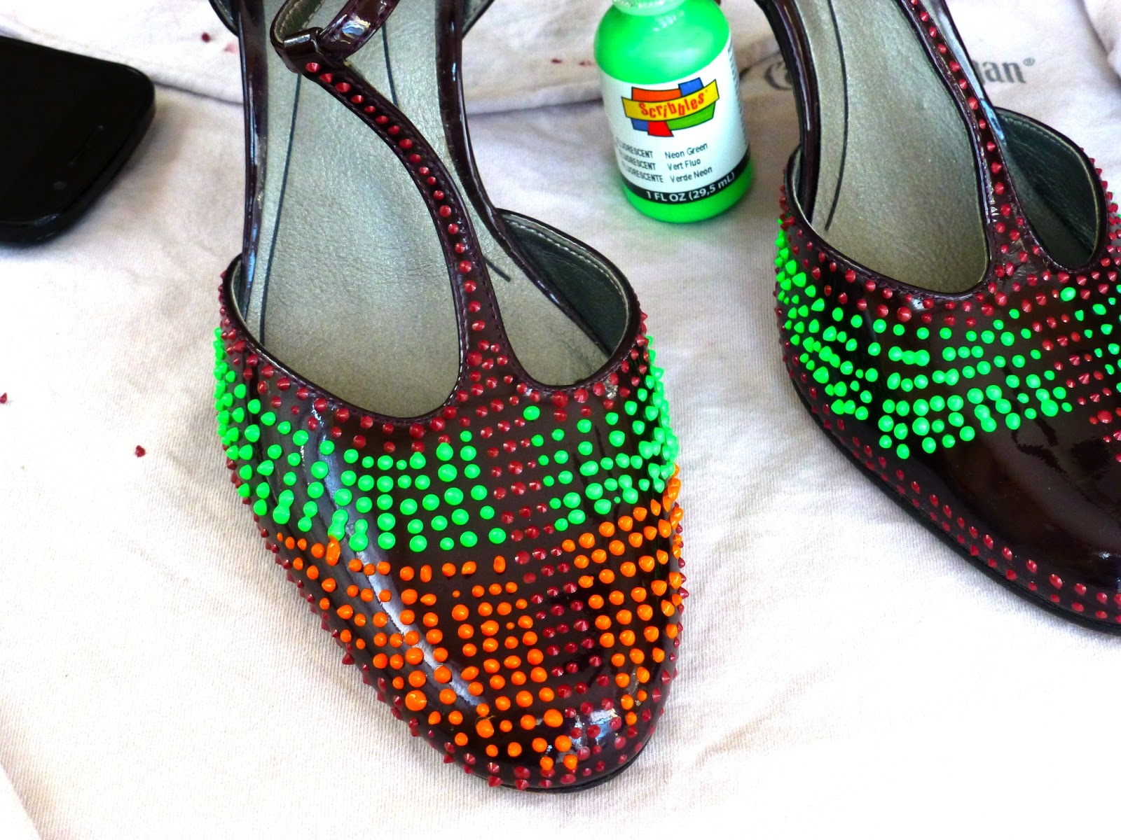 DIY Beaded Shoes - Winky Eye Pattern Flats - Turn this popular eye design into a quirky, fun fashion statement & learn how to make your own beaded shoes without any real beading skills using this step by .