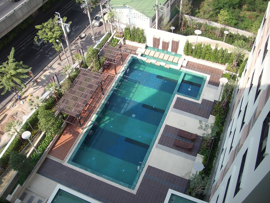 Location d 39 appartements de charme paris bangkok for Appartement piscine paris