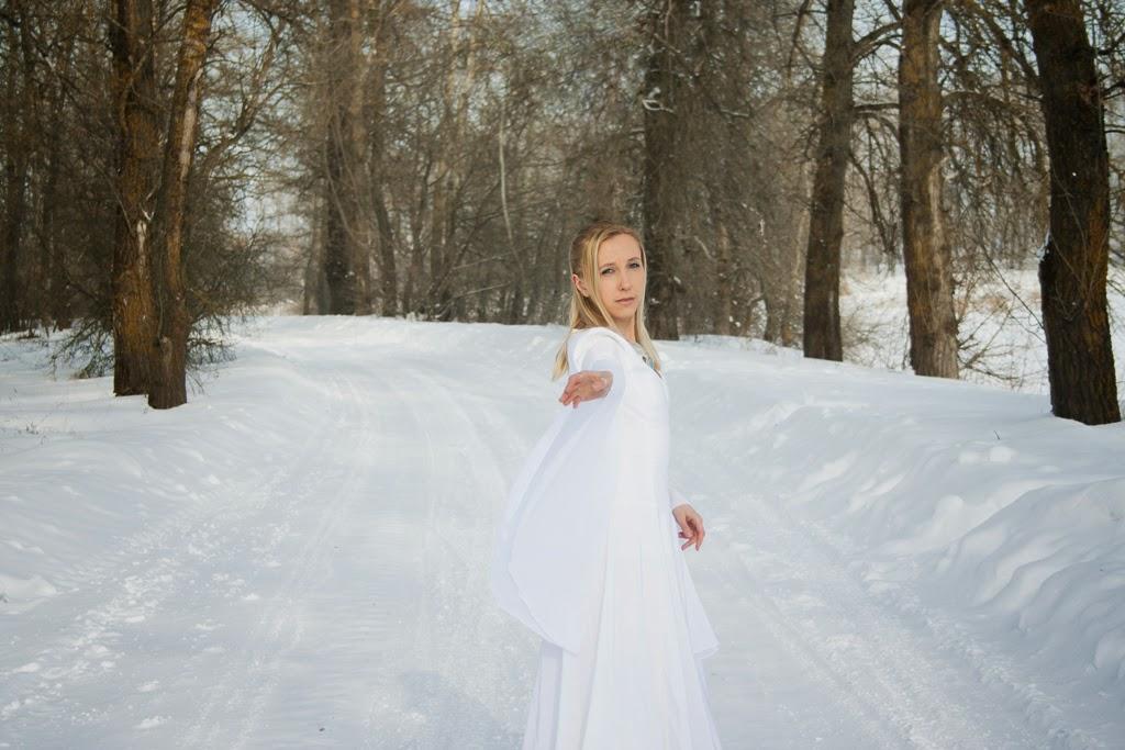 зима, снег, снежный эльф, фотосессия, модель, колье, белый