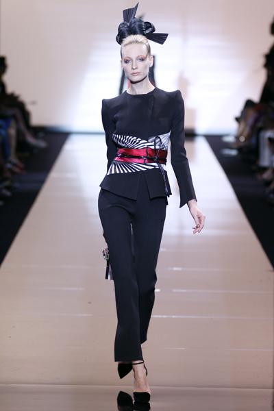 Giorgio Armani Privé - Haute Couture Herbst / Winter 2011/2012 - 1 -