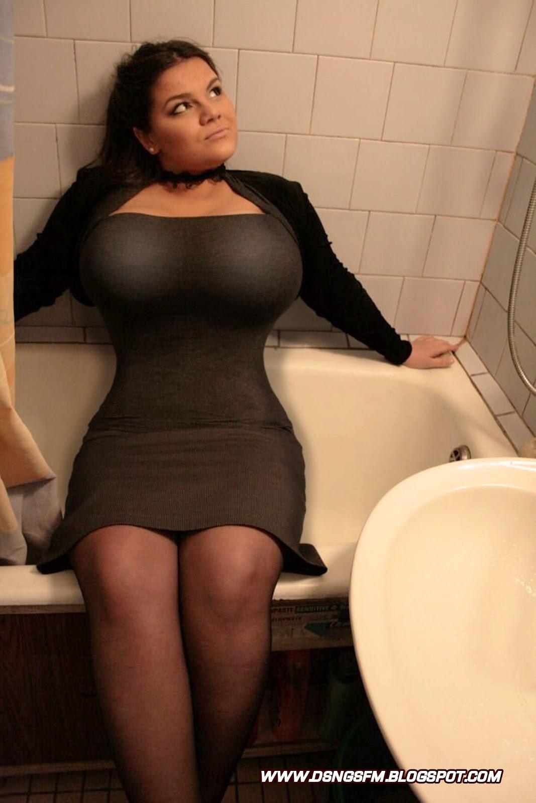 Русская с большой грудью фото 1 фотография