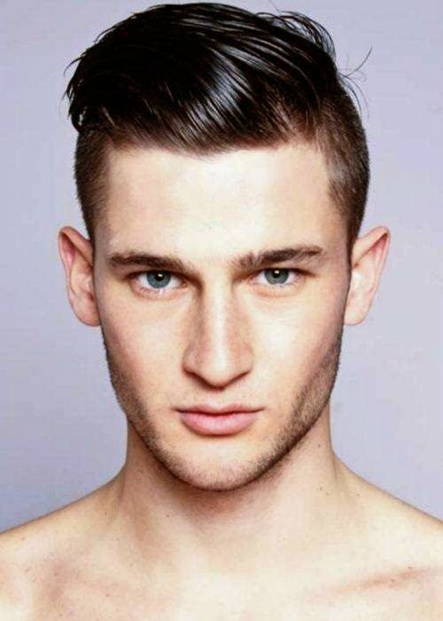 Model rambut undercut untuk pria keren modern saat ini
